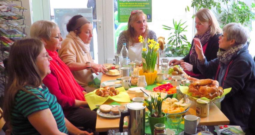 Beim Frühstück mit Frauen aus verschiedenen Generationen freute sich die Abgeordnete