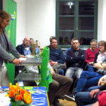 """Bei der Begrüßung der zahlreichen Besucher des Gesprächsabends """"Frühling ohne Vogelgezwitscher - Grüne EU-Politik für mehr Vielfalt in Natur und Landwirtschaft"""" mit der Europa-Abgeordneten Maria Heubuch in Oberderdingen."""