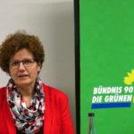 Maria Heubuch MdEP spricht im Forum Oberderdingen darüber, warum klein strukturierte Landwirtschaft zu mehr Artenvielfalt beiträgt. Foto: LP