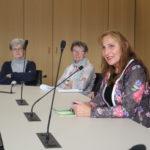 Im Abgeordnetengespräch mit den Besucherinnen und Besuchern des Landtags aus dem Wahlkreis Bretten.