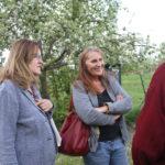 Mit Herrn Raff sprachen Margot Reibelt, Gemeinderätin und Vorständin von Bündnis 90/Die Grünen Linkenheim-Hochstetten, und Andrea Schwarz MdL über Gründe für das Bienen- und Insektensterben und die Folgen für das gesamte Ökosystem