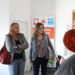 Gemeindetag in Linkenheim-Hochstetten am 26.04.: Austausch mit Herrn Zuber und den Mitarbeiterinnen des Tafelladens (begleitet von Gemeinderätin Margot Reibelt, Mitte)