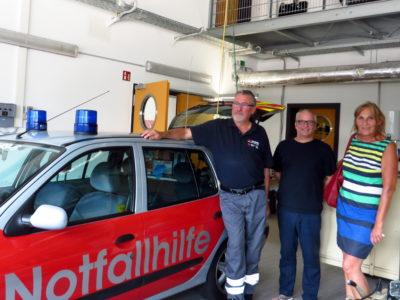 Dr. Reinhold Friedrich, Leiter der ARGE Notfallhilfe Linkenheim-Hochstetten, Michael Hamman, grüner Gemeinderat und Mitglied der freiwilligen Feuerwehr Linkenheim-Hochstetten und Andrea Schwarz MdL (v. l. n. r.).