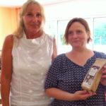 Andrea Schwarz MdL, Entwicklungspolitische Sprecherin der grünen Landtagsfraktion, brachte der Wohngruppe fair gehandelten Kaffee aus Burundi, dem Partnerland Baden-Württembergs, mit.