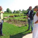Dr. Heiko Hentrich (links) im Gespräch mit Andrea Schwarz MdL und Danyal Bayaz MdB.