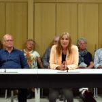Zahlreiche interessierte Bürgerinnen und Bürger waren der Einladung ihrer Landtagsabgeordneten, Andrea Schwarz MdL, gefolgt und freuten sich darüber, mit ihr im Abgeordnetengespräch und dem anschließenden Mittagessen in den persönlichen Dialog treten zu können.