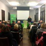 Andrea Schwarz MdL erklärte dem Publikum, dass der Begriff der Nachhaltigkeit bereits im 18. Jahrhundert im Forstwirtschaftskontext entstanden ist.