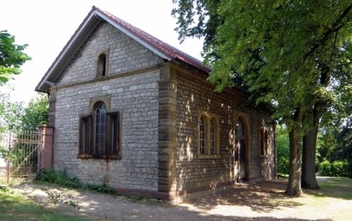 Das Taharahaus auf dem israelitischen Teil des Bruchsaler Friedhofs. Foto: Rolf Schmitt