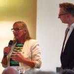 Andrea Schwarz MdL hob vor allem hervor, dass für jedes Regierungshandeln auch die Nachhaltigkeitsziele 2030 als Maßstab dienen müssen. Als Entwicklungspolitische Sprecherin der grünen Fraktion setzt sie sich besonders für einen nachhaltigen Konsum und Beachtung der Fairtrade-Standarts ein.